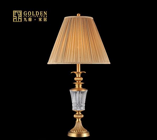 水晶蜡烛灯是欧式宫廷绮丽浪漫